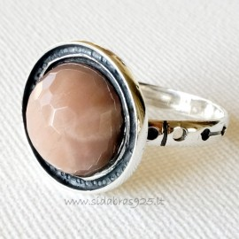 Ring with natural Sun stone Ž501
