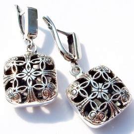 Earrings double-sided square A513