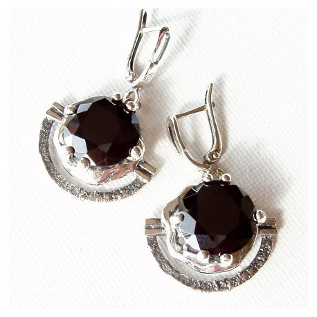 Earrings with black Zirconium A341