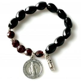 Rosaries bracelet with Onyx and Garnet AP751
