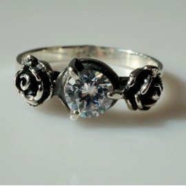 """Ring with white Zirconia """"Roses"""" Ž137"""